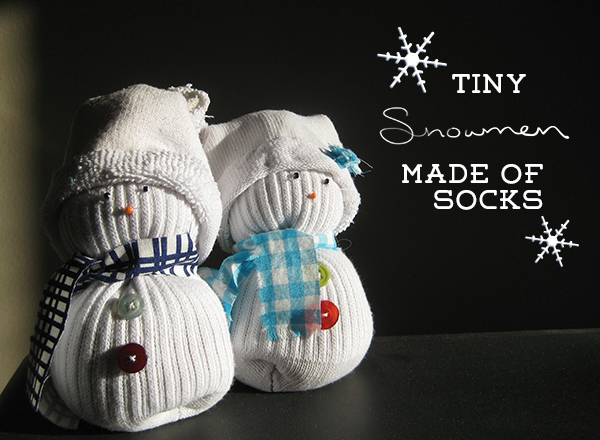 tiny-snowmen-made-of-socks