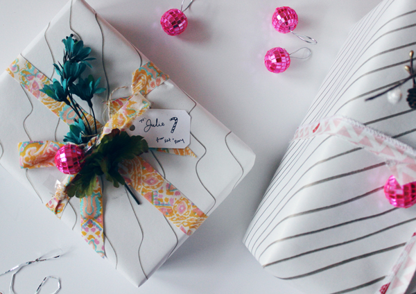 Creative gift wrapping with fabric // Boots & Cats